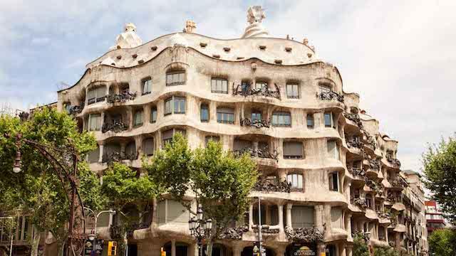 Casa Batlló o La Pedrera? A cuál ir?