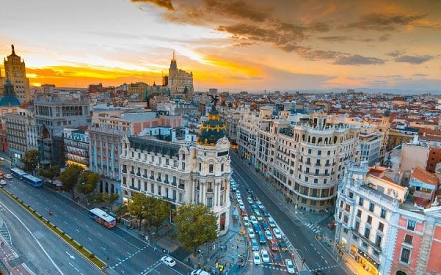 10 Hermosas plazas en Barcelona